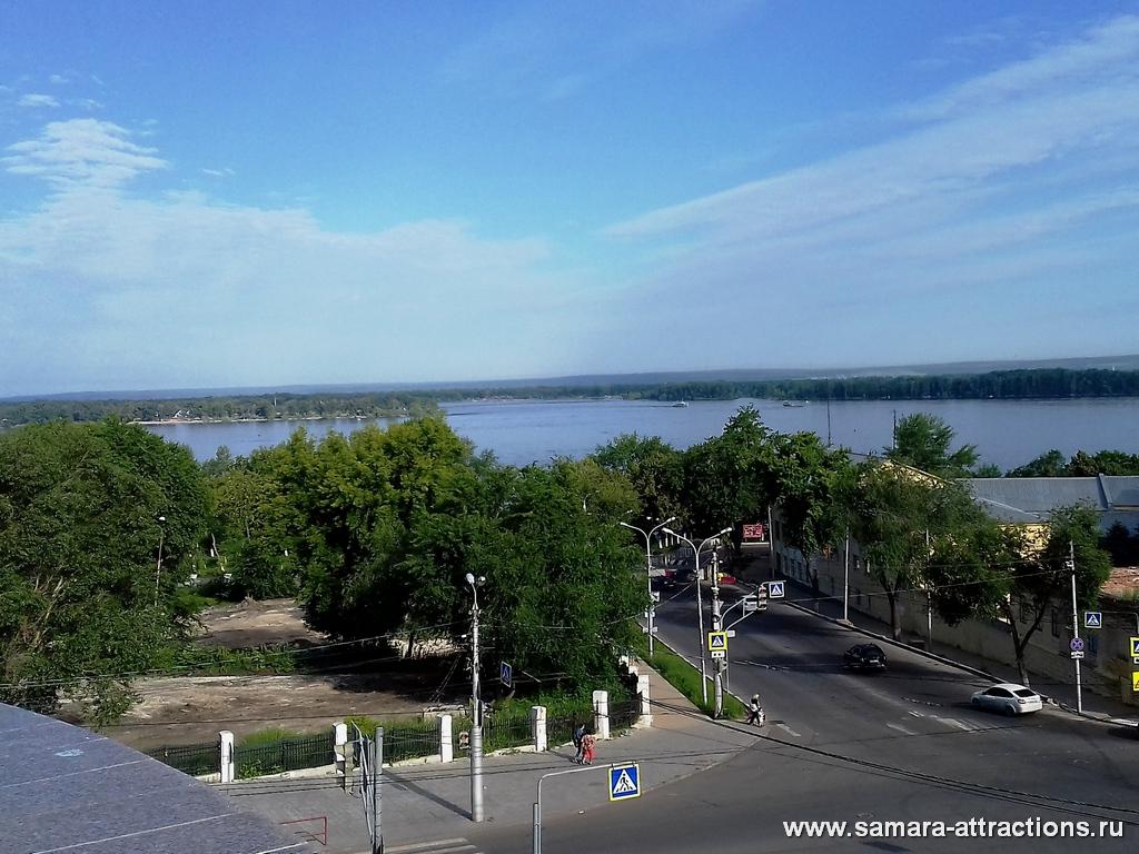 Вид на Волгу из сквера Пушкина