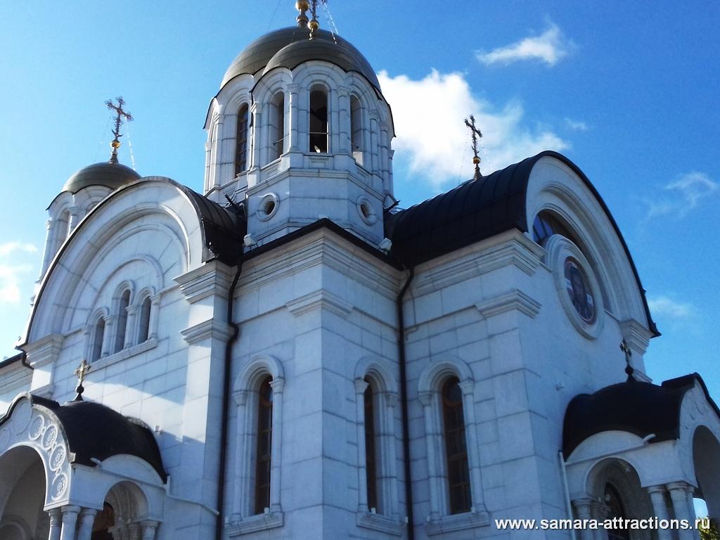 Храм Георгия Победоносца на площади Славы