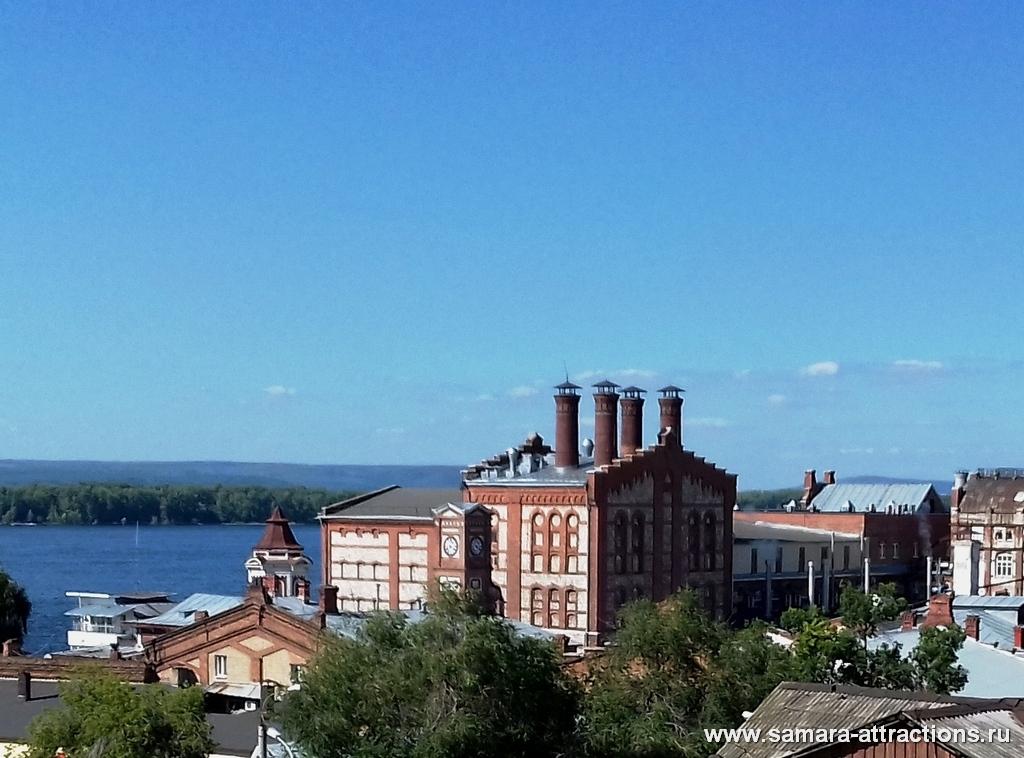 Вид из сквера Пушкина на Жигулевский пивзавод
