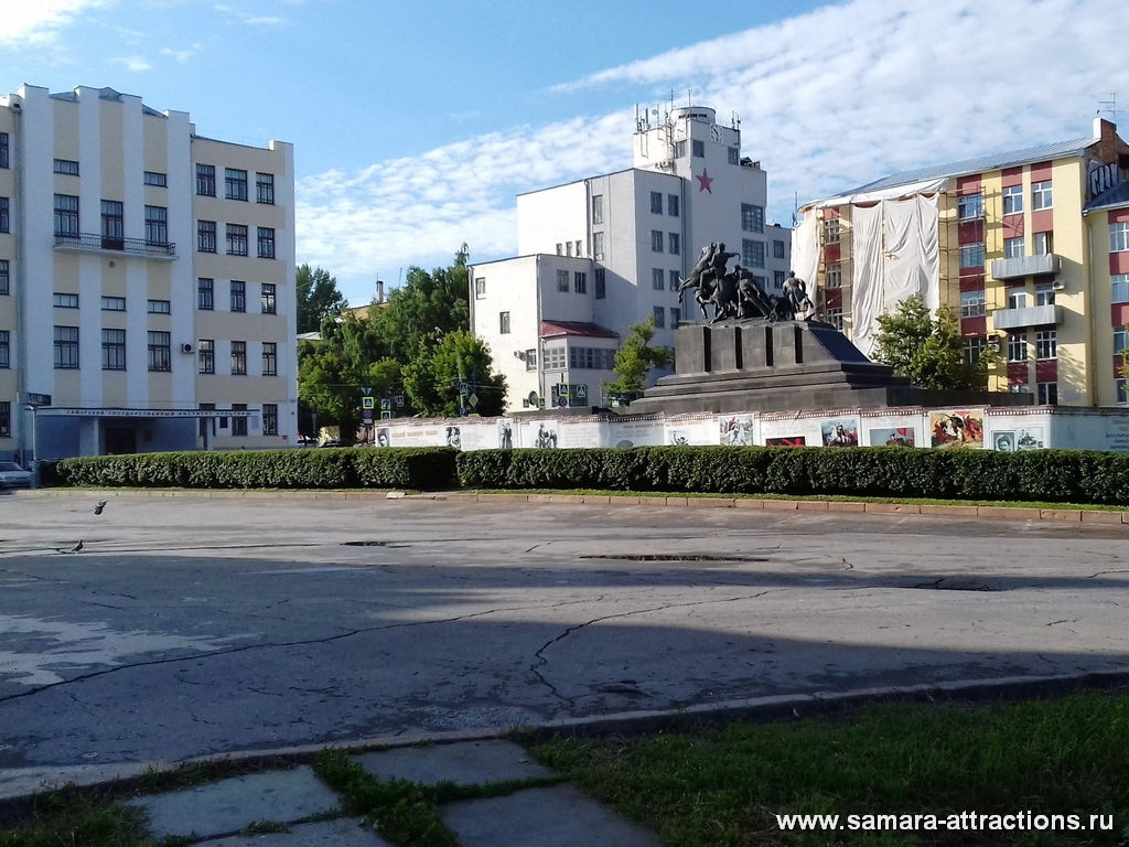 Площадь Чапаева в Самаре