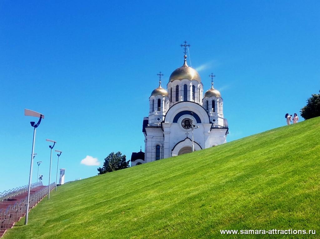 Вид на Храм Георгия Победоносца