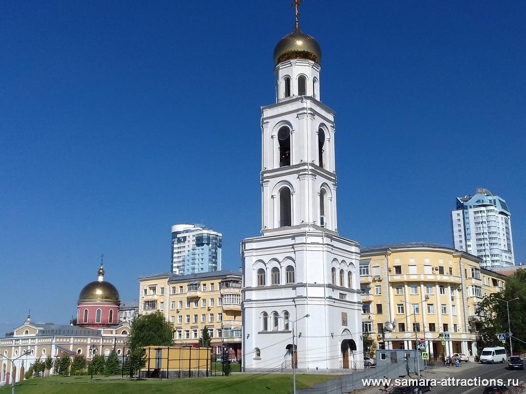 Вид на Часовню монастыря из сквера Пушкину